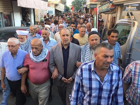 مظاهرات حاشدة في مخيمات وتجمعات منطقة صور للمطالبة بتراجع وزارة العمل عن القرار الظالم